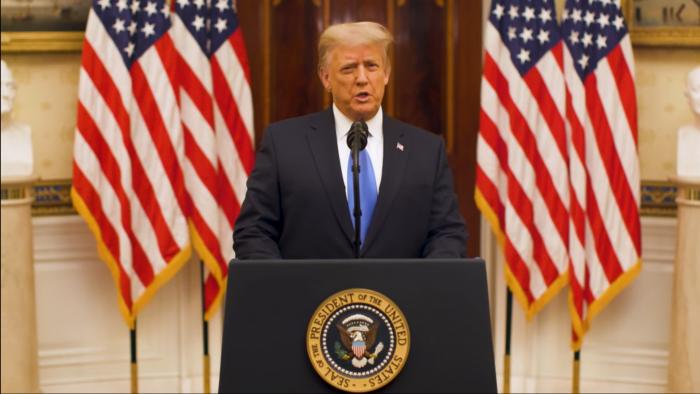 A horas de dejar la Casa Blanca como presidente de Estados Unidos.