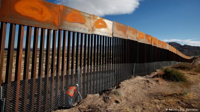 La construcción del muro entre México y EE.UU se detiene