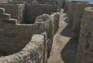 Muros de la ciudad de perdida de Luxor